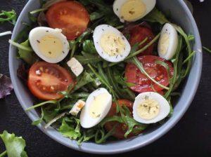 Салат с перепелыными яйцами