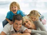 Оставаться дома с детьми может быть гораздо сложнее, чем работать, говорят ученые
