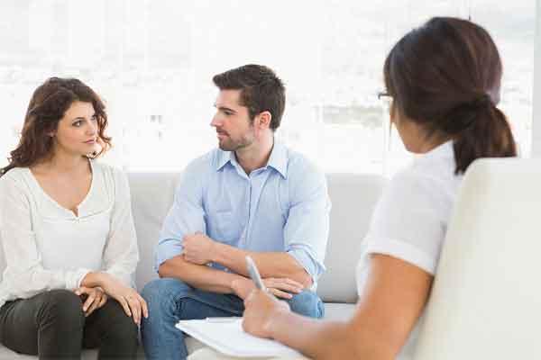 Психолог: как проходит первый визит? Разница между психологом, психиатром и психотерапевтом
