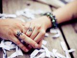 Обручальные кольца скоро исчезнут? Новая тенденция облетела социальные сети