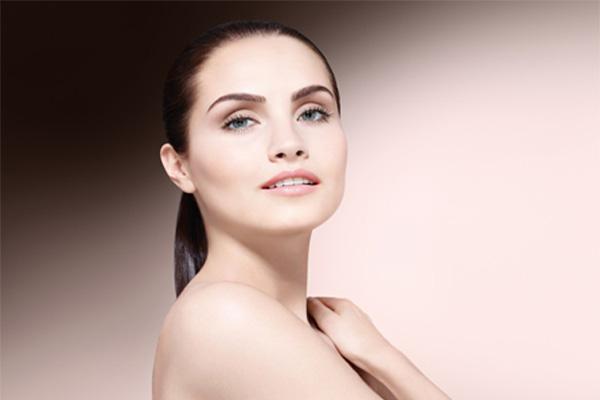 Четыре естественных способа лечения проблем с кожей