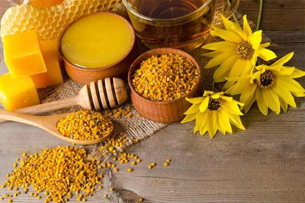 Пчелиный воск ценился с древних времен. Познакомьтесь с его замечательными свойствами