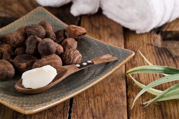 Масло Ши — увлажняет и предотвращает старение кожи. Убедитесь в его исключительных свойствах