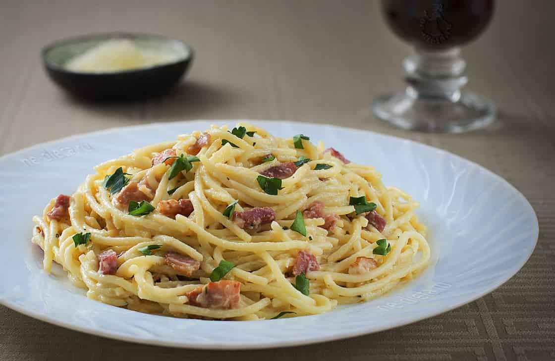 Спагетти с беконом и маскарпоном