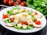 Салат Цезарь - вкусно и полезно