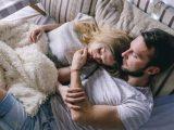 Почему полезно спать рядом с любимым человеком?