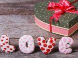 Что купить девушке на День святого Валентина?