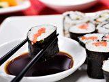 Соевый соус - отличное дополнение к азиатским и европейским блюдам.