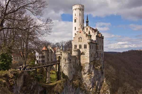Замок Лихтенштейн в Германии