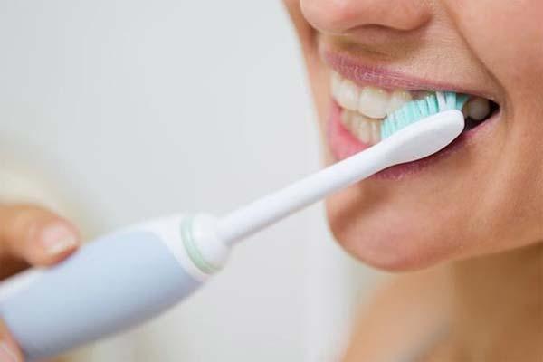 Факты и мифы об уходе за зубами