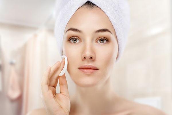 ТОП-3 правила ухода за лицом для последующего нанесения макияжа